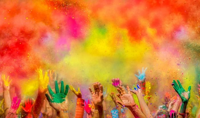 Top 5 Iconic Holi Bollywood moments